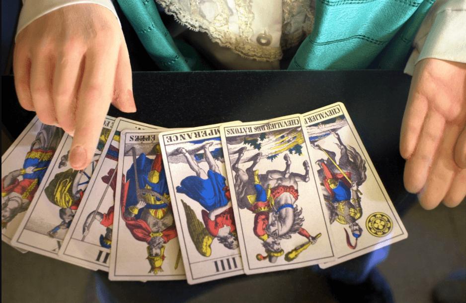 Play Tarot Card